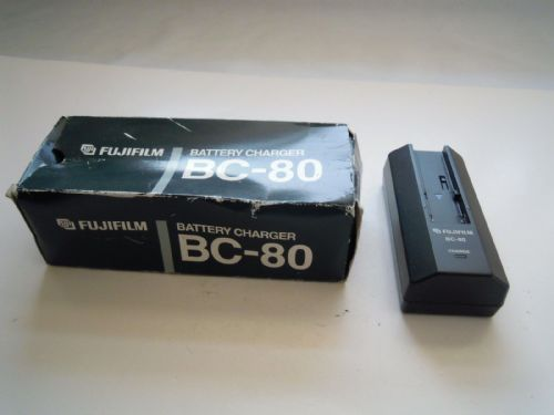 FUJIFILM BC-80 BATTERY CHARGER